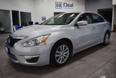 2015 Nissan Altima for sale at iDeal Auto Imports in Eden Prairie MN