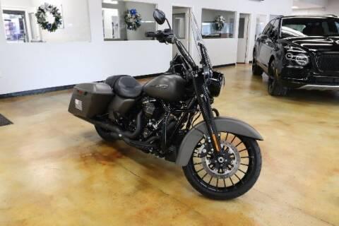 2018 Harley-Davidson Road King for sale at RPT SALES & LEASING in Orlando FL