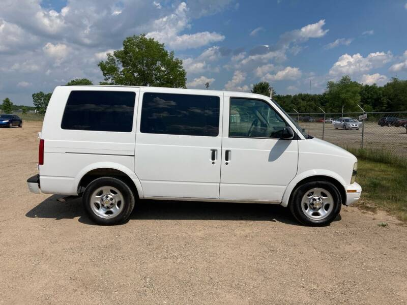 2003 Chevrolet Astro for sale at Expressway Auto Auction in Howard City MI