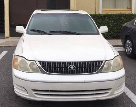 2000 Toyota Avalon for sale at DAVINA AUTO SALES in Orlando FL