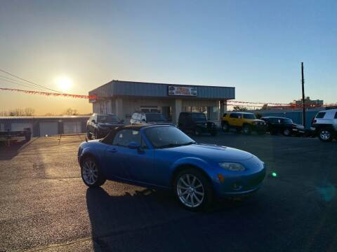 2006 Mazda MX-5 Miata for sale at FIESTA MOTORS in Hagerstown MD