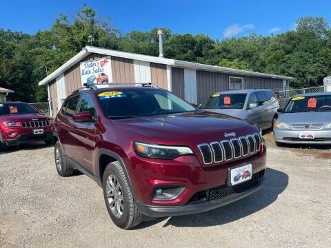 2019 Jeep Cherokee for sale at Victor's Auto Sales Inc. in Indianola IA