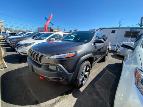 2015 Jeep Cherokee for sale at OFIER AUTO SALES in Freeport NY