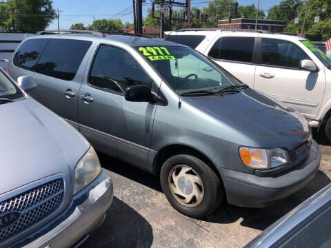 2000 Toyota Sienna for sale at Klein on Vine in Cincinnati OH
