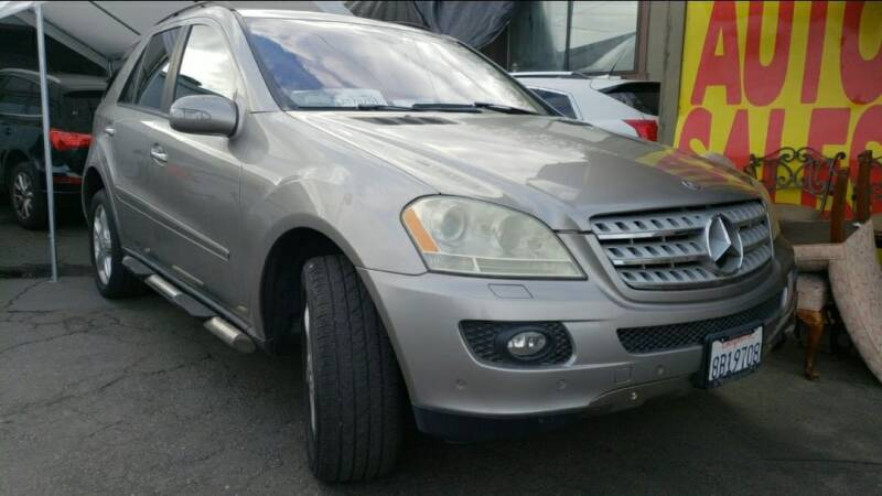 2006 Mercedes-Benz M-Class for sale at MCHENRY AUTO SALES in Modesto CA