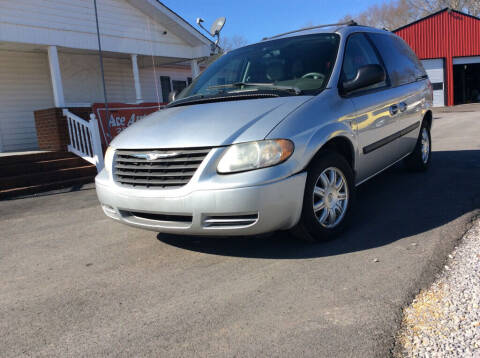 2005 Chrysler Town and Country for sale at Ace Auto Sales - $800 DOWN PAYMENTS in Fyffe AL