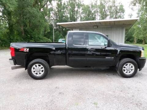2013 Chevrolet Silverado 2500HD for sale at Apex Auto Sales LLC in Petersburg MI