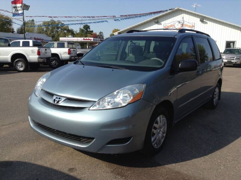 2007 Toyota Sienna for sale at Steves Auto Sales in Cambridge MN