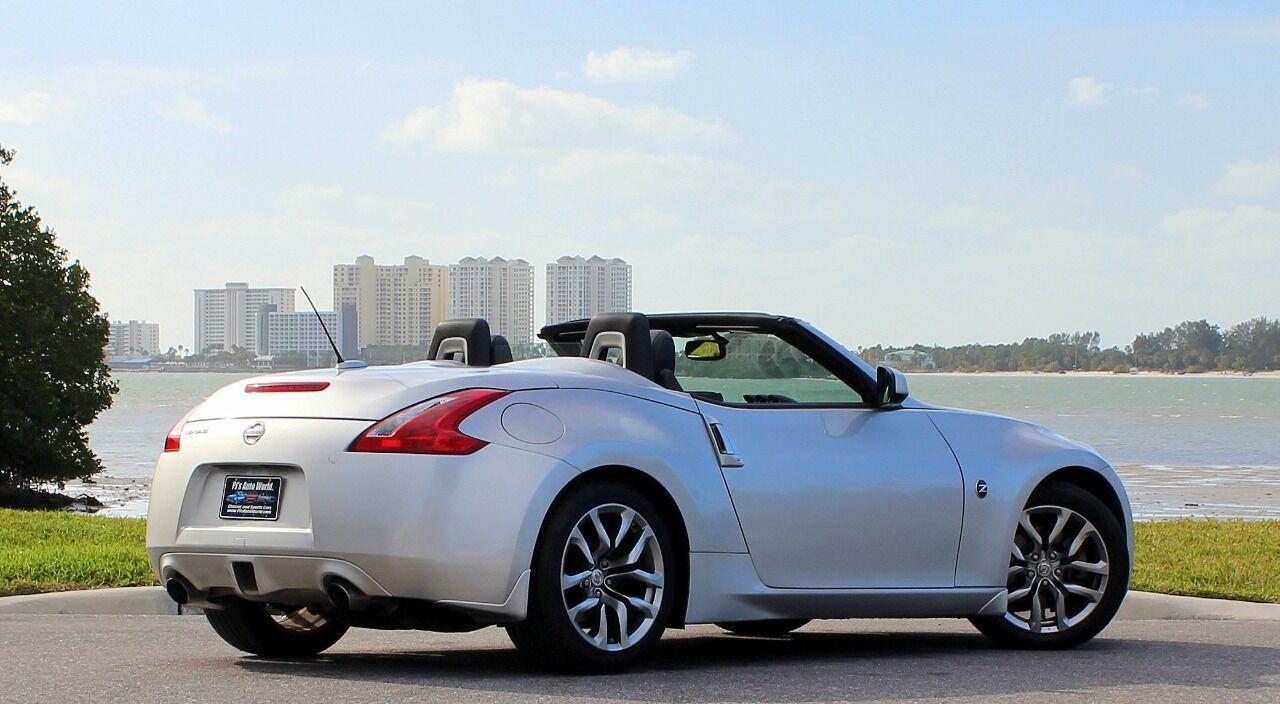 2010 Nissan 370Z 16