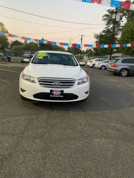 2012 Ford Taurus for sale at Mike's Auto Sales in Yakima WA