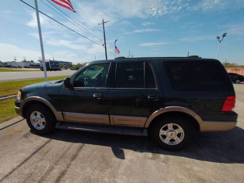 2004 Ford Expedition for sale at BIG 7 USED CARS INC in League City TX