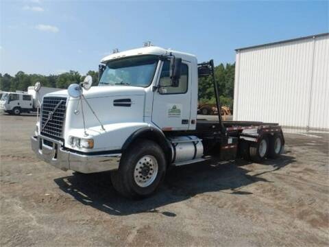 2006 Volvo VHD64B200 for sale at Vehicle Network - Plantation Truck and Equipment in Carthage NC
