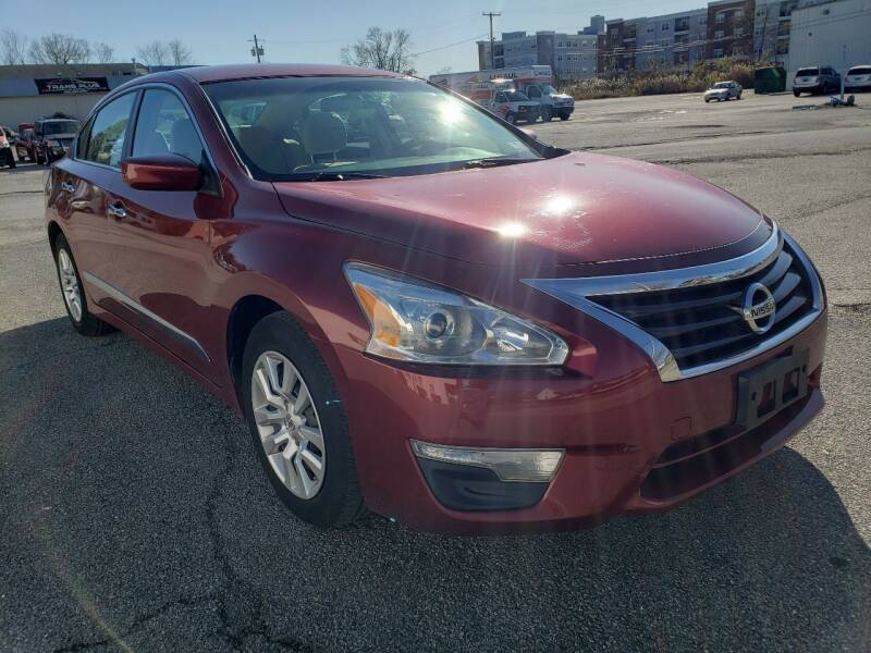 2014 Nissan Altima for sale at WEELZ in New Castle DE