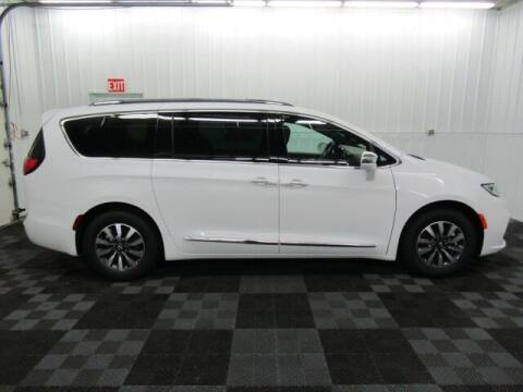 2021 Chrysler Pacifica Hybrid for sale at Michigan Credit Kings in South Haven MI