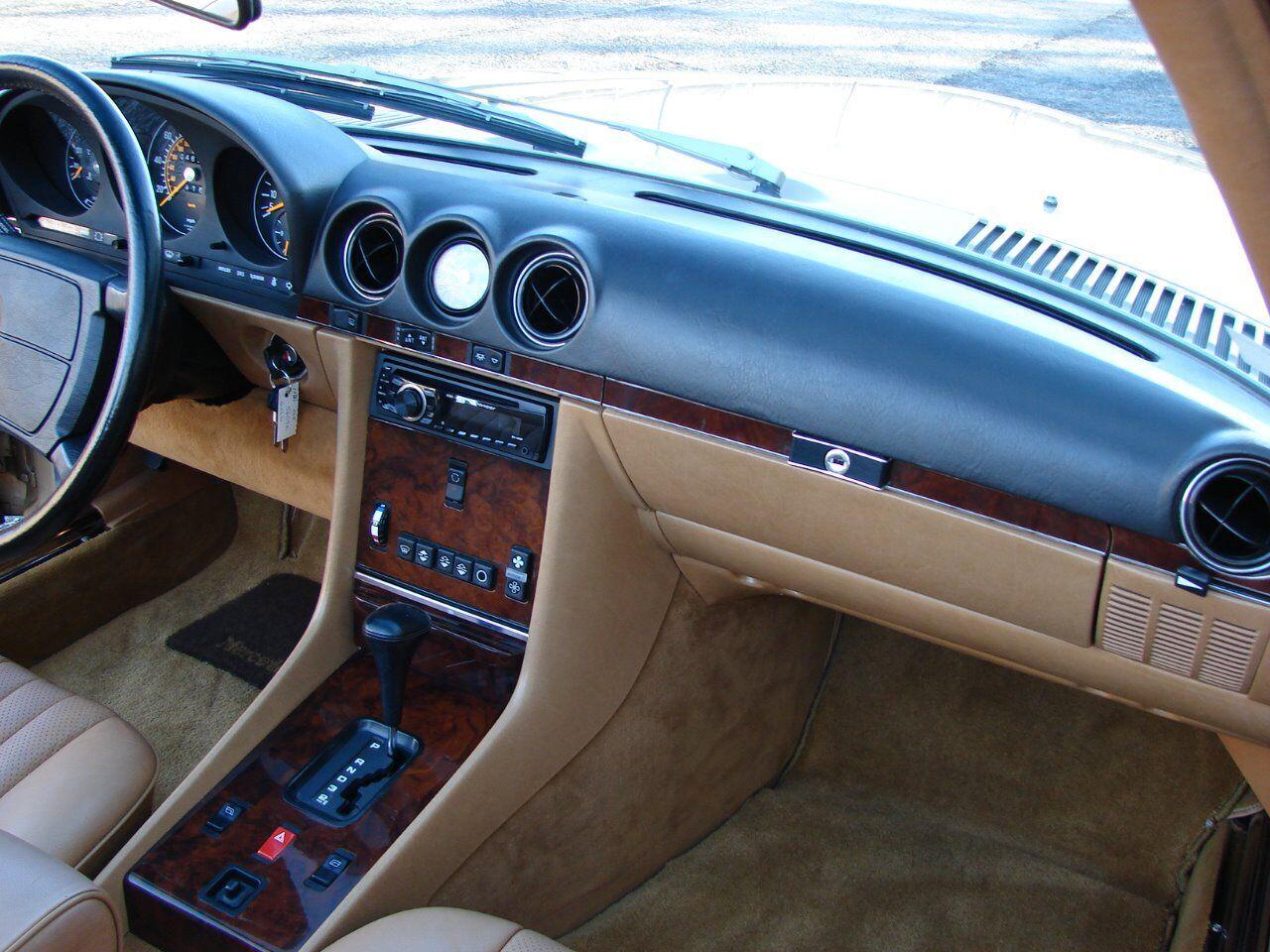 1986 Mercedes-Benz 560-Class 13