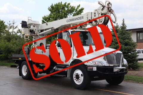 2005 International DuraStar 4200 for sale at Signature Truck Center in Crystal Lake IL