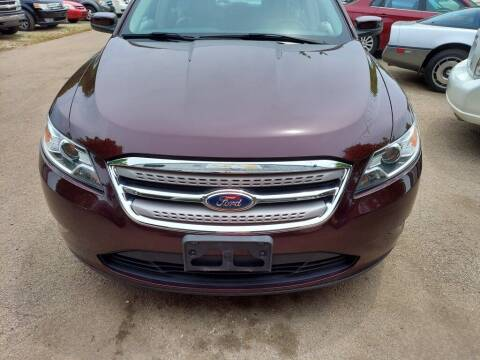 2011 Ford Taurus for sale at Car Connection in Yorkville IL