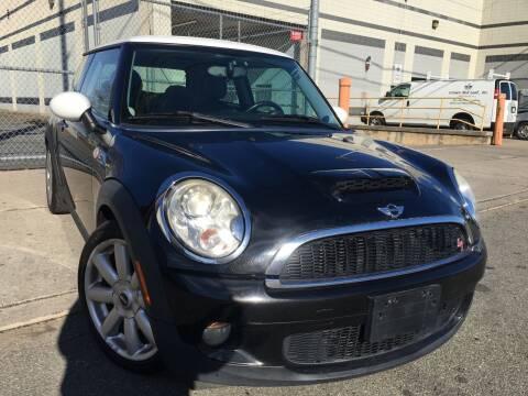 2010 MINI Cooper for sale at Illinois Auto Sales in Paterson NJ