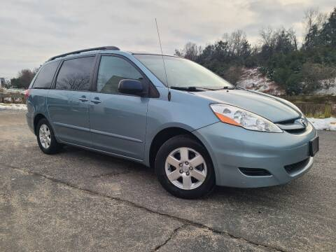 2006 Toyota Sienna for sale at Lexton Cars in Sterling VA