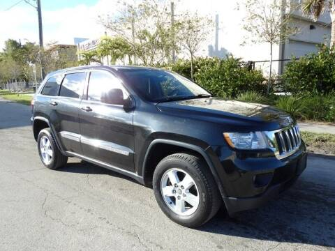 2013 Jeep Grand Cherokee for sale at SUPER DEAL MOTORS in Hollywood FL