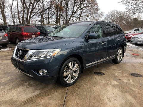 2013 Nissan Pathfinder for sale at Barga Motors in Tewksbury MA