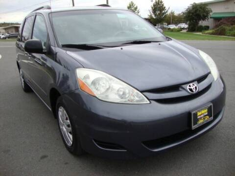 2006 Toyota Sienna for sale at Shell Motors in Chantilly VA
