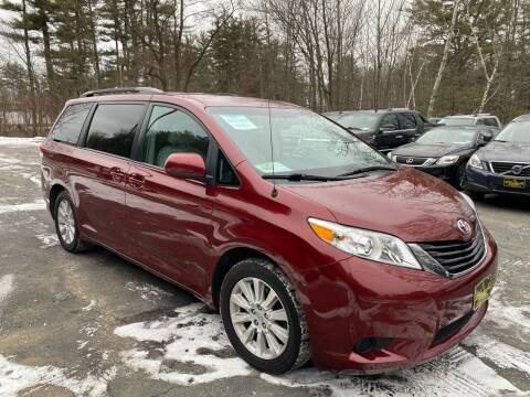 2014 Toyota Sienna for sale at Bladecki Auto in Belmont NH