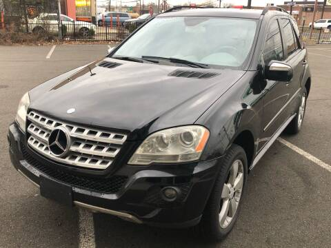 2009 Mercedes-Benz M-Class for sale at MAGIC AUTO SALES in Little Ferry NJ
