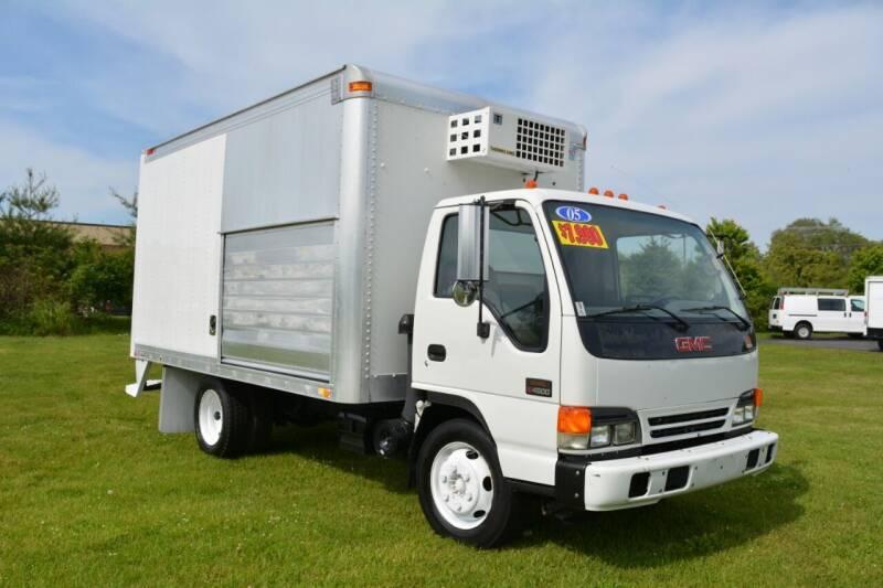 2005 GMC W4500 for sale at Signature Truck Center - Box Trucks in Crystal Lake IL