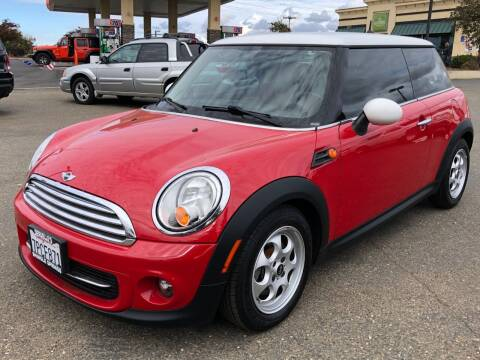 2012 MINI Cooper Hardtop for sale at Deruelle's Auto Sales in Shingle Springs CA