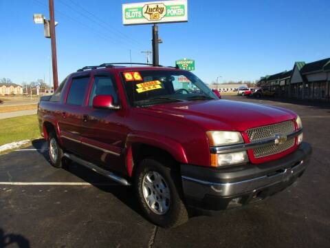 2006 Chevrolet Avalanche for sale at Auto World in Carbondale IL