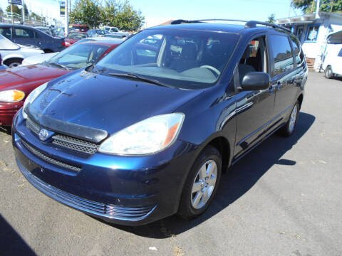 2004 Toyota Sienna for sale at Family Auto Network in Portland OR