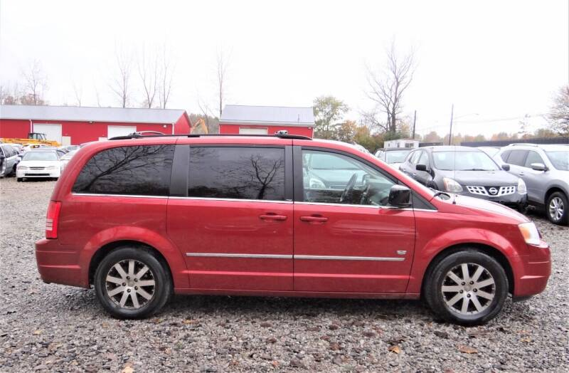 2009 Chrysler Town and Country for sale at Premier Auto & Parts in Elyria OH