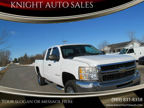 2009 Chevrolet Silverado 2500HD for sale at KNIGHT AUTO SALES in Stanton MI