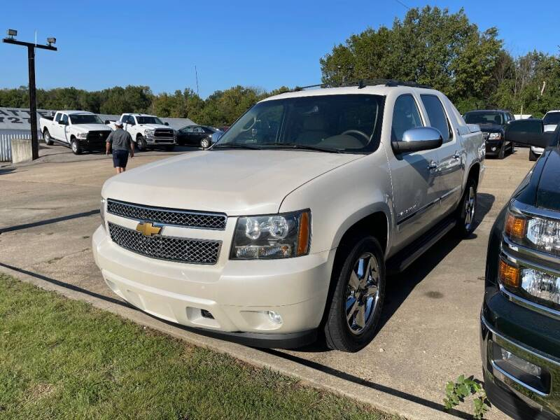 2013 Chevrolet Avalanche for sale at Greg's Auto Sales in Poplar Bluff MO