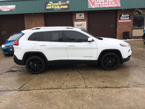 2015 Jeep Cherokee for sale at Mulder Auto Tire and Lube in Orange City IA