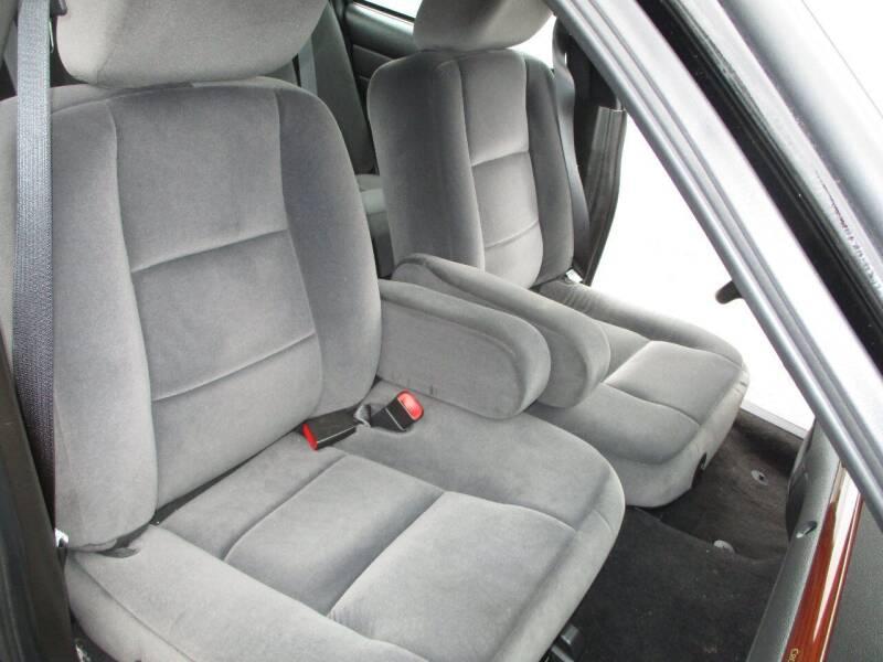2011 Ford Crown Victoria LX 4dr Sedan - Levittown PA