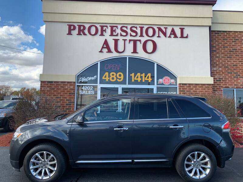 2013 Lincoln MKX for sale at Professional Auto Sales & Service in Fort Wayne IN