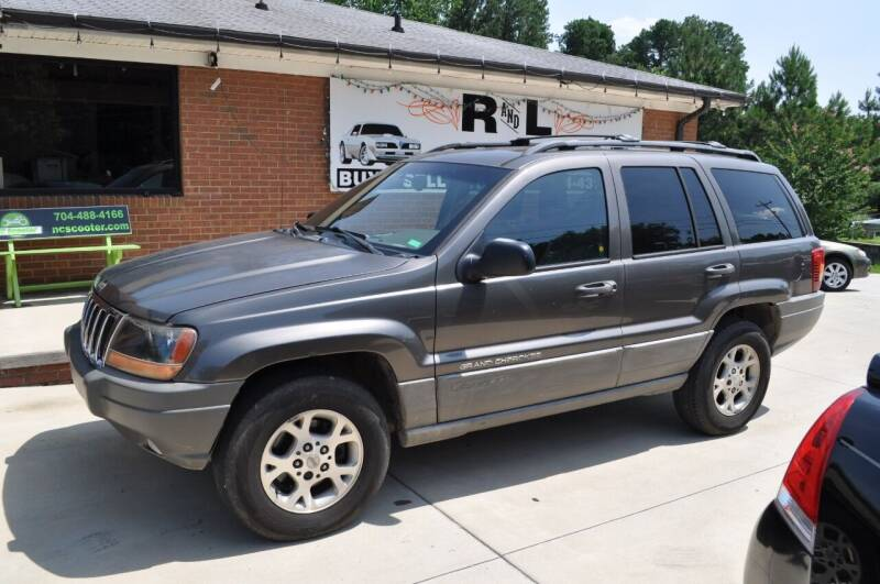 2000 Jeep Grand Cherokee for sale at R & L Autos in Salisbury NC