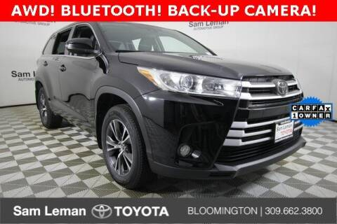 2017 Toyota Highlander for sale at Sam Leman Toyota Bloomington in Bloomington IL