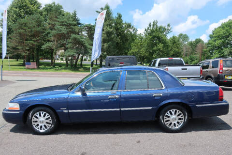 2004 Mercury Grand Marquis for sale at GEG Automotive in Gilbertsville PA