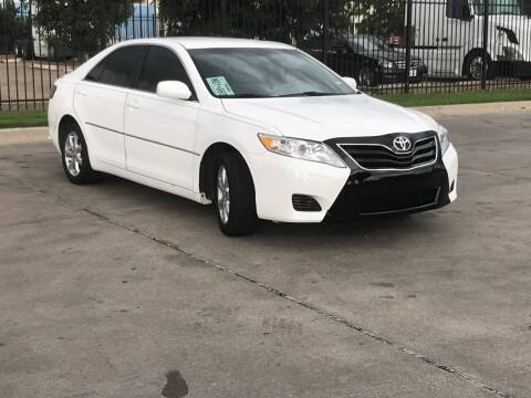 2011 Toyota Camry for sale at DFW AUTO FINANCING LLC in Dallas TX