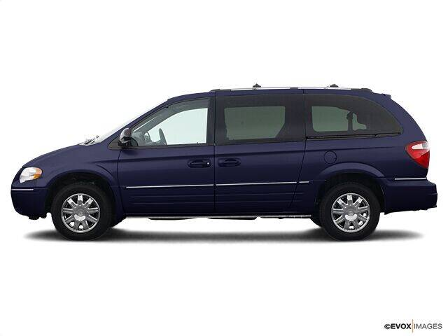 2005 Chrysler Town and Country for sale at CHAPARRAL USED CARS in Piney Flats TN