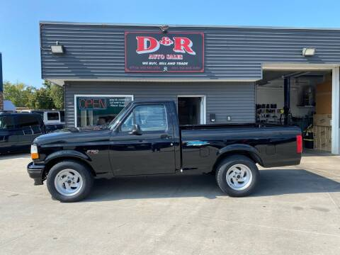1994 Ford F-150 SVT Lightning for sale at D & R Auto Sales in South Sioux City NE