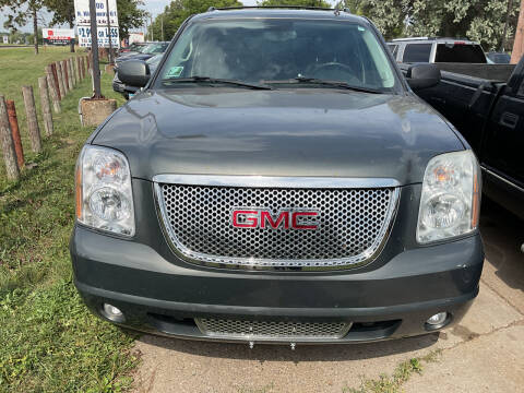 2011 GMC Yukon XL for sale at Continental Auto Sales in White Bear Lake MN