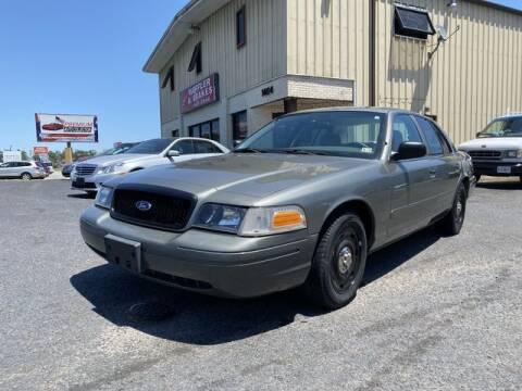 2004 Ford Crown Victoria for sale at Premium Auto Collection in Chesapeake VA