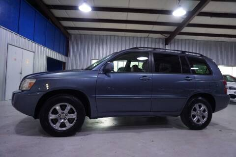 2005 Toyota Highlander for sale at SOUTHWEST AUTO CENTER INC in Houston TX