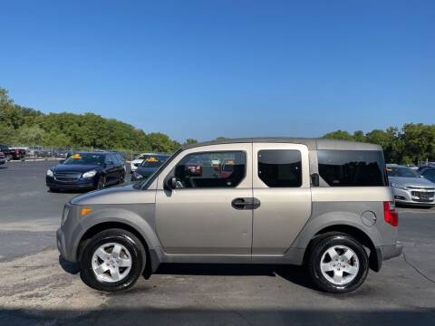 2004 Honda Element for sale at CARS PLUS CREDIT in Independence MO