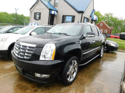 2011 Cadillac Escalade EXT for sale at WOOD MOTOR COMPANY in Madison TN