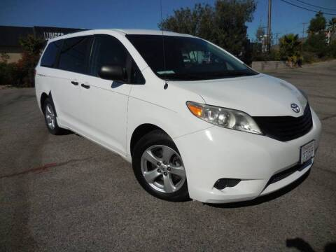 2014 Toyota Sienna for sale at ARAX AUTO SALES in Tujunga CA